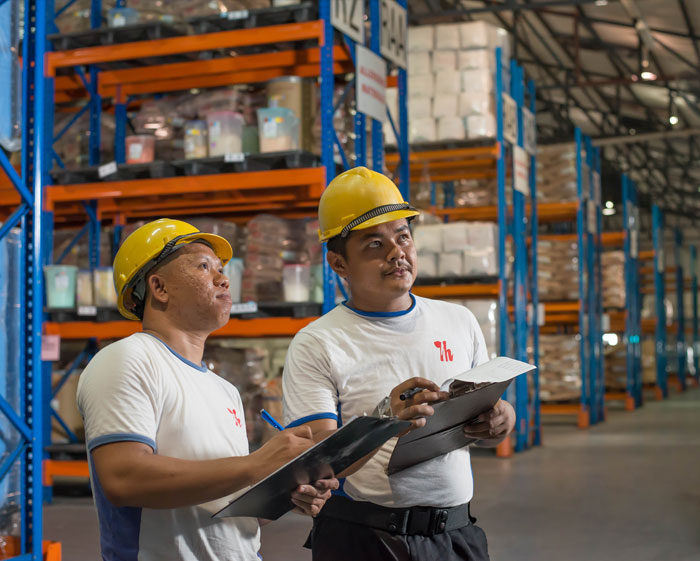 T-Hasegawa-Production-Factory-Warehouse-staff-Images